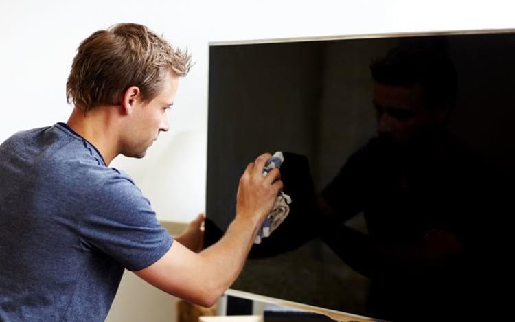 ¿Cómo limpiar correctamente la pantalla de su televisor o monitor?